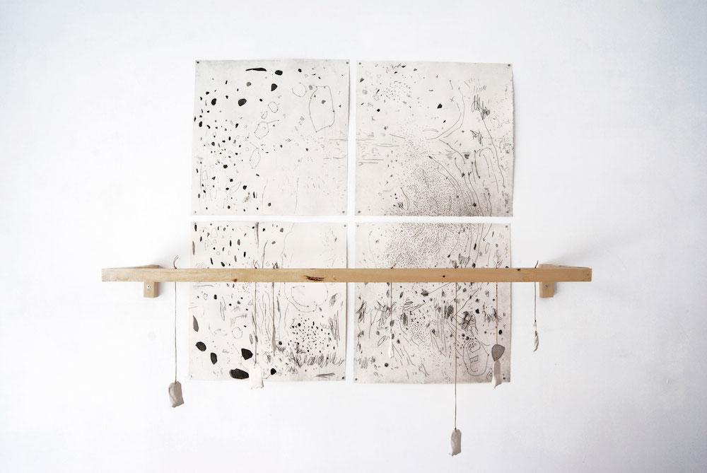Título: Silencio, tensión y velocidad Grabado calcográfico sobre papel, madera y cerámica 2016