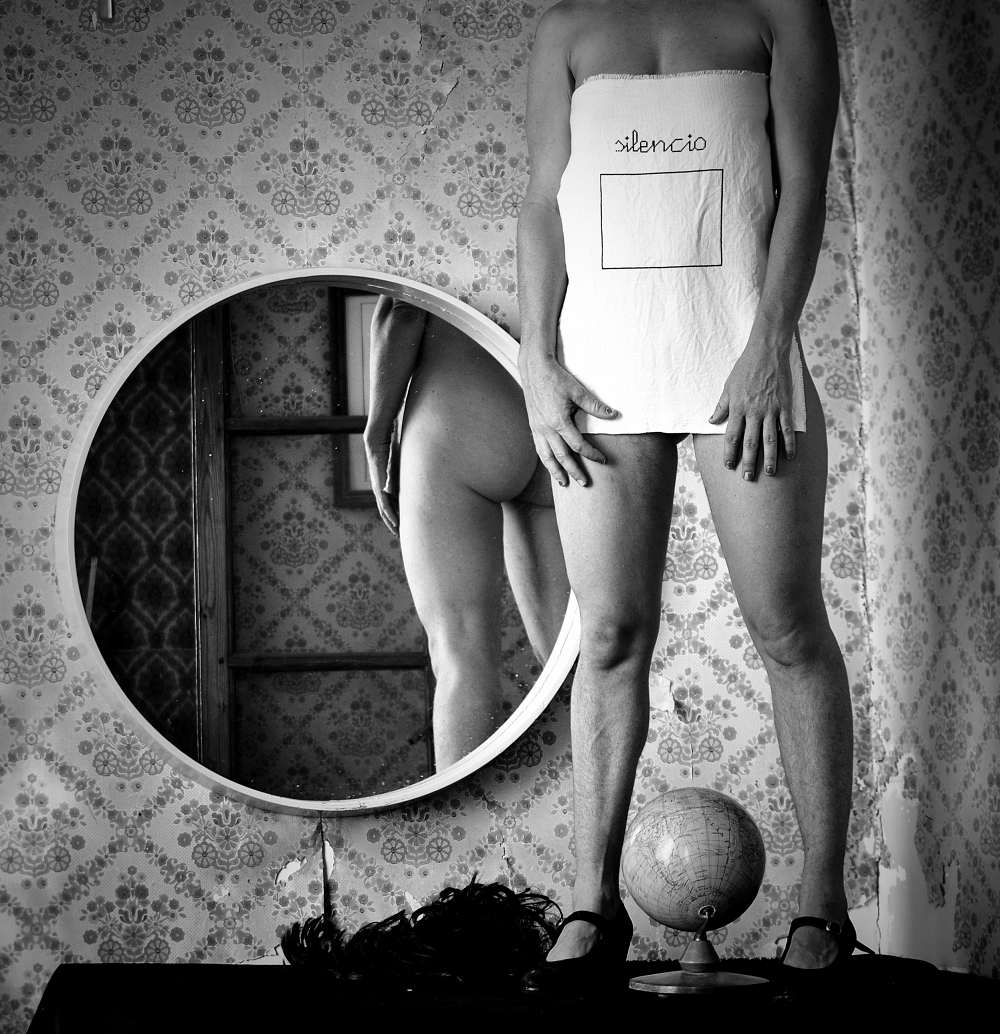 Memorobilia Dona Alacant Art | Ines Villeparisis  |  Paco Esteve | Proyectos Invitados |Mujeres Mirando Mujeres | MmiraM19