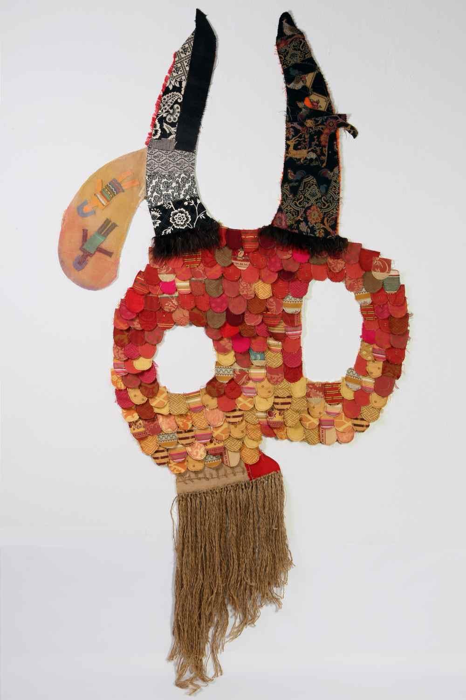 CAROL SOLAR Niño Máscara III. El que hace como si nada-Textil sobre PVC-255x130-2015.