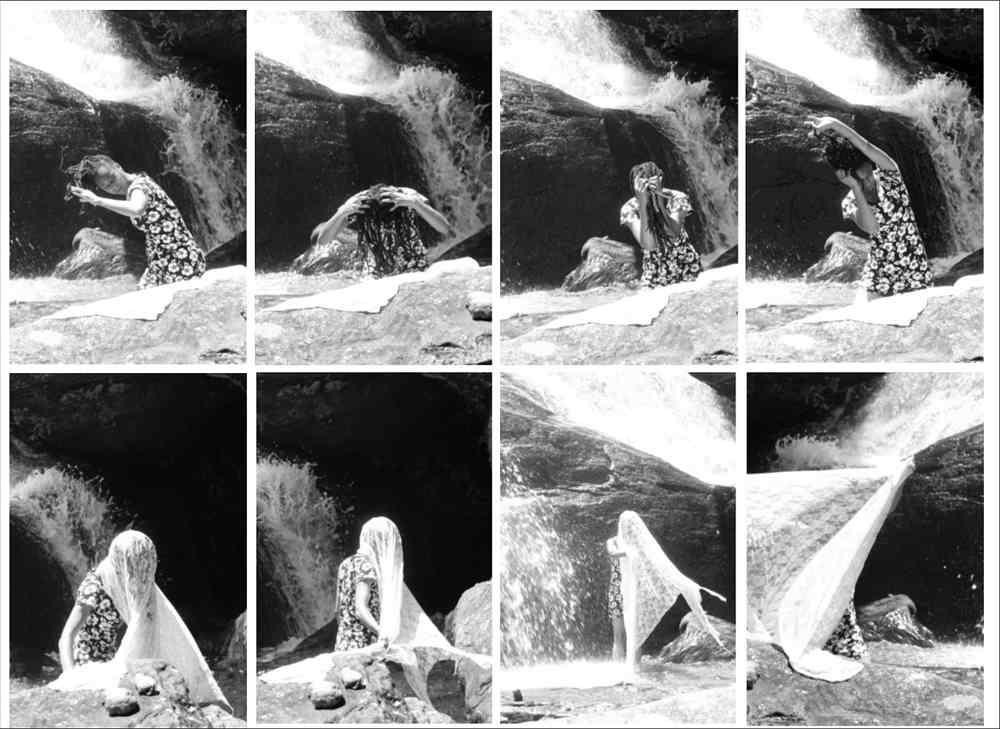Psicanálise do cafuné: sobre remendos e afetos, 2016. Foto performance Cachoeira dos Batuques. Aiuruoca, MG. Fotografia digital.