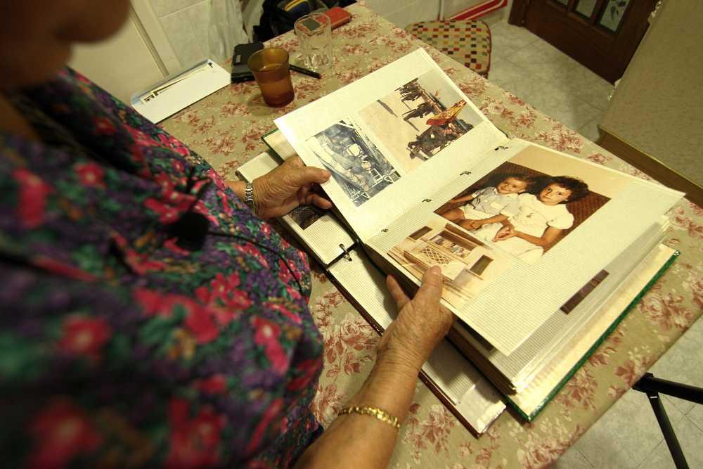 Desi nos muestra su album familiar