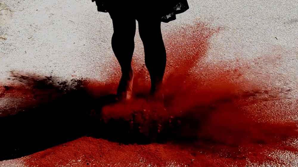 REBECA LAR Fotograma de La bruja debe morir, 2016.
