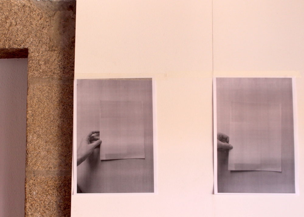 SILVIA GARCÍA GONZÁLEZ Detalle de de la exposición rastro material en el Claustro alto de Fonseca, USC