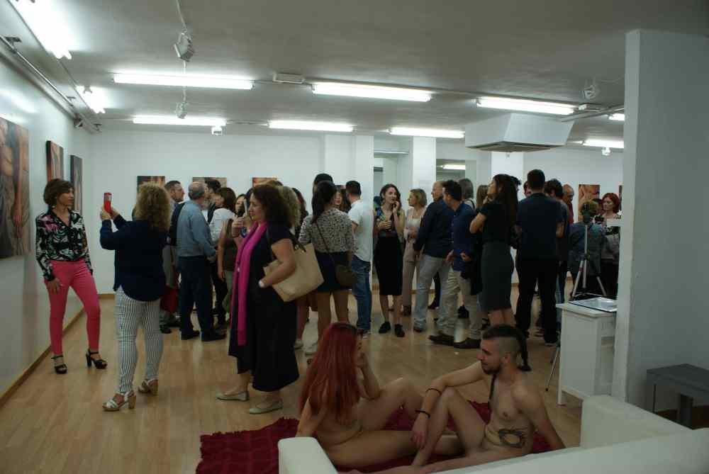 erotofobia_sara_aroca_galeria_leucade_mujeres_mirando_mujeres