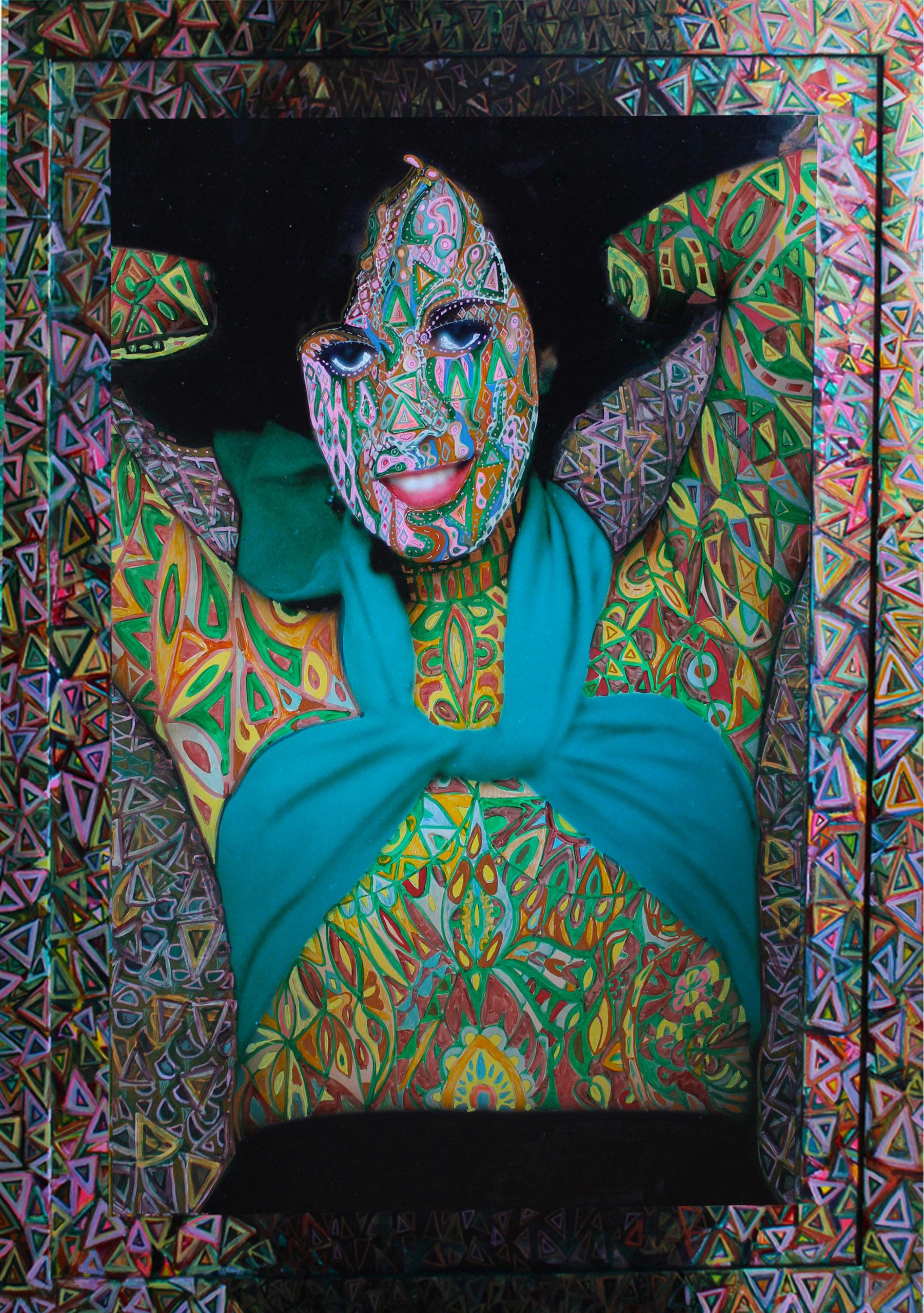 Pimpeada,fotografía y enmarcado intervenidos por dibujos en tinta y acrílicos, 2012 CITLALLY MIRANDA. YLONKA NACIDIT-PERDOMO   VII MUJERES MIRANDO MUJERES