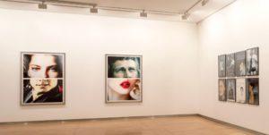 Vista de la sala de exposición Listen to me! | Mujeres Mirando Mujeres | Yadira de Armas y Ana Gabriela Ballate Benavides