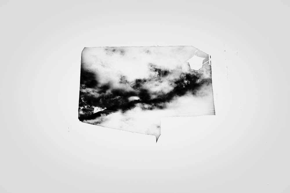 ¿Y cómo será ser cielo?Serie Cielos Inventados. Fotografía digital B_N. 2020   LOLA MANSILLA   BEATRIZ PEREIRA   VII MUJERES MIRANDO MUJRES